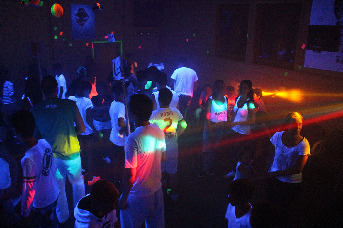 Neonparty in der Monsterburg